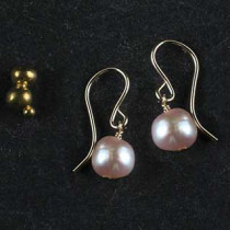 Button Pearl Earring
