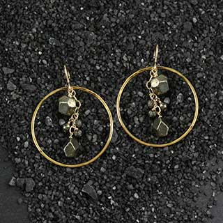 Hammered Ring and Pyrite Nuggets Earrings (e-py44)