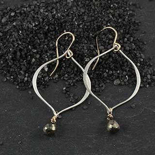 Ovoid Earring with Pyrite Briolette (e-pypv)
