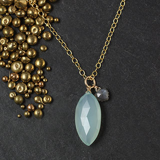Large Chalcedony Marquise with Moonstone Necklace (n-b703)