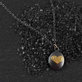 Icon Locket Necklace: Tiny Oval (n-iltv-icon)
