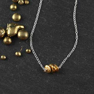 Three Tiny Nugget Necklace (n-nuf3)