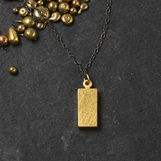Plated Charm Necklace: Rectangle (n-pce0)