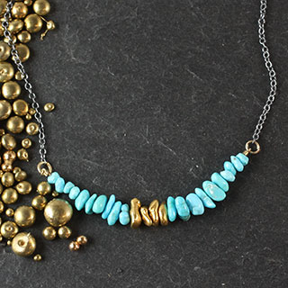 Chip and Gold Bar Necklace (n-tqc7)