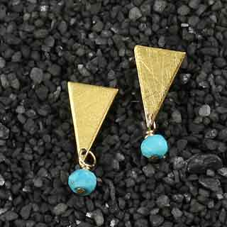 Triangle Post Earring w/Turquoise (p-tqz1)
