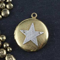 Riveted Icon Locket Lg Rd Pendant