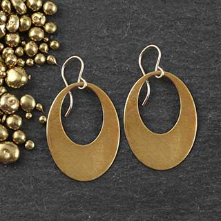 Punched Oval Earrings: Medium (e-cv03)