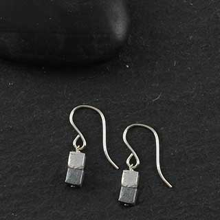 Two Stacked Cube Earring (e-mm20)