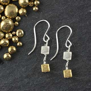Double Microcube Earring (e-mmc2)