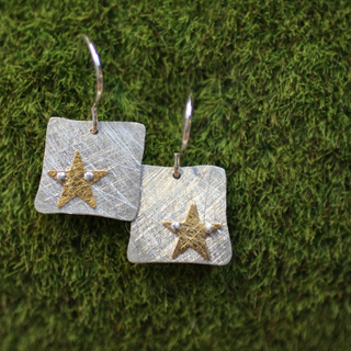Riveted Tiny Square Earring: Star (e-ts1s)
