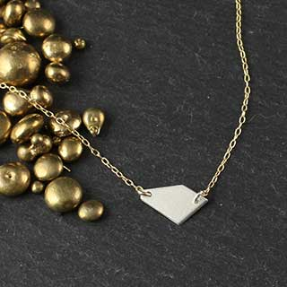 Small Crazy Cut Horizontal Necklace (n-cjh0)