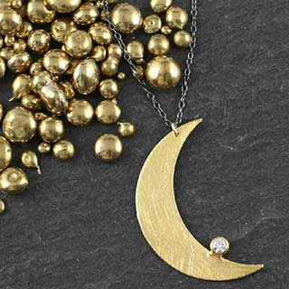 Flat Moon Necklace: Large w/gem (n-fcl1)