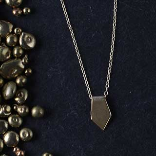 Folded Point Necklace (n-fp01)
