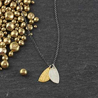 Two Tiny Half Moon Necklace (n-hmt2)