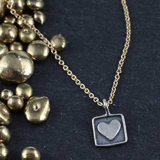 Tiny Heart in a Square Charm Necklace (n-hrt0)