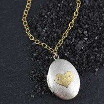 Icon Locket Necklace: Large Oval