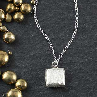Med Flat Square Necklace (n-mfs0)