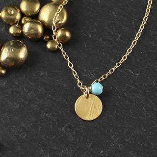 Turquoise and Tiny Disc Necklace (n-tqz1)