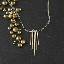 5 Hammered Wire Necklace with pearl