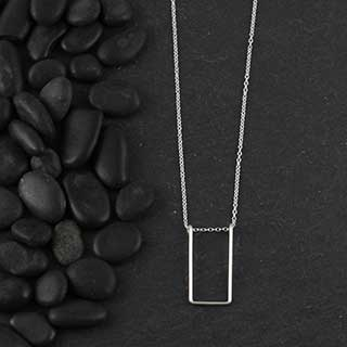 Wire Rectangle Necklace (n-wir0)
