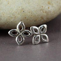 Itty Bitty Star Flower Post Earring